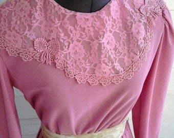 Vintage Dress - 1970s ROSE Tea Dress with Amazing LACE Collar and Accordion Skirt