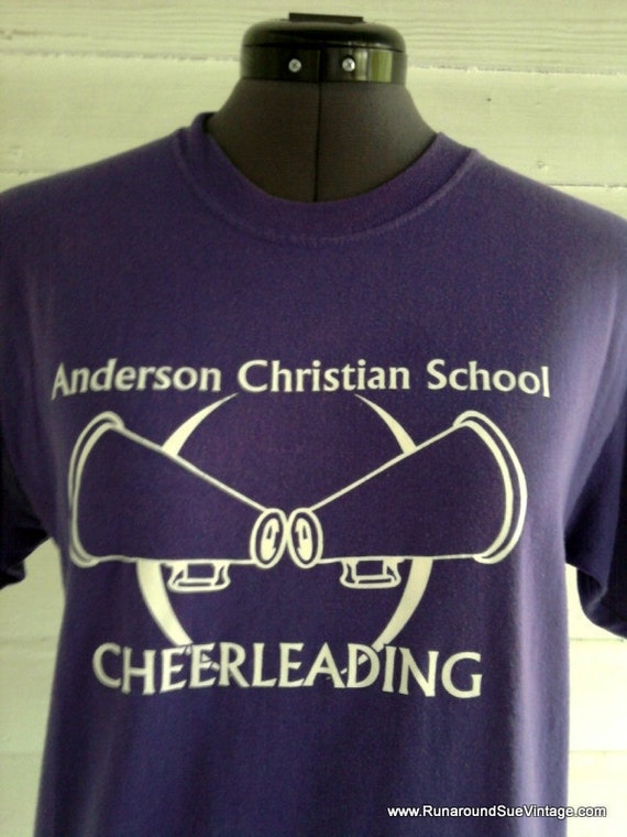 Vintage Tee : Purple CHEERLEADING Novelty T Shirt