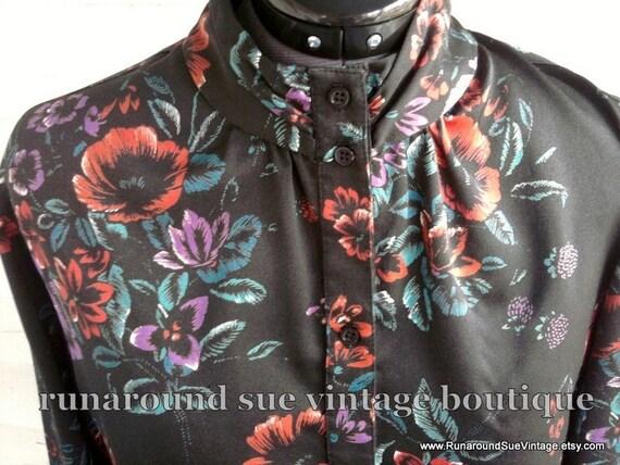 on sale : Vintage 1970s Black Floral Blouse