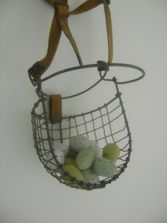 Vintage Metal Wire Horse Muzzle-Wire Basket Rustic Decor-Early 20th Century
