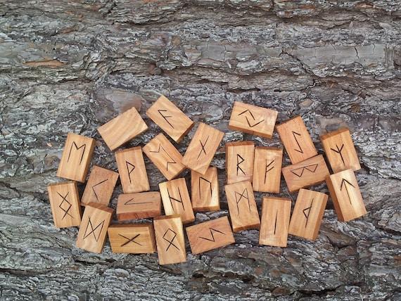 Marbled Cedar Rune set I  - Elder Futhark