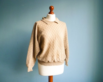 Vintage 80s sweater top jumper pullover / women knitwear / beige/ light brown / with collar / batwing long sleeves / medium
