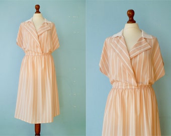 Vintage Salmon Pink Shirtdress / Day Dress / White Vertical Stripes / Collar / Buttoned top / Short Sleeve / Midi / medium