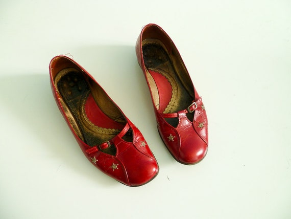 Vintage red shiny flats / red leather shoes / size Euro 38 US 7,5