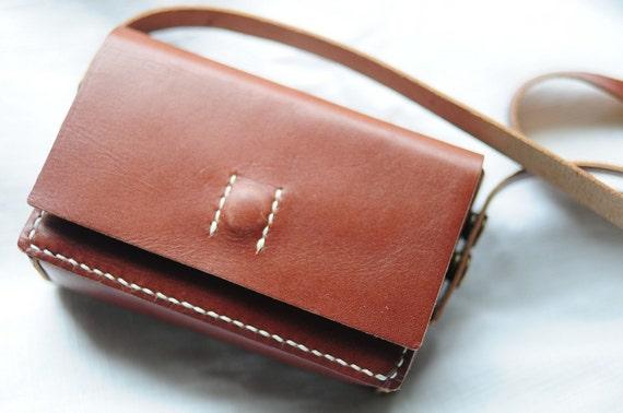 Artemis Leatherware Hand Stitched Leather Camera Case