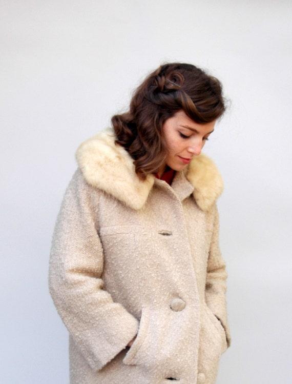 Vintage 1960s Coat - Burbon Vanilla -  Ivory Boucle Wool Coat with Ivory Mink Fur Collar