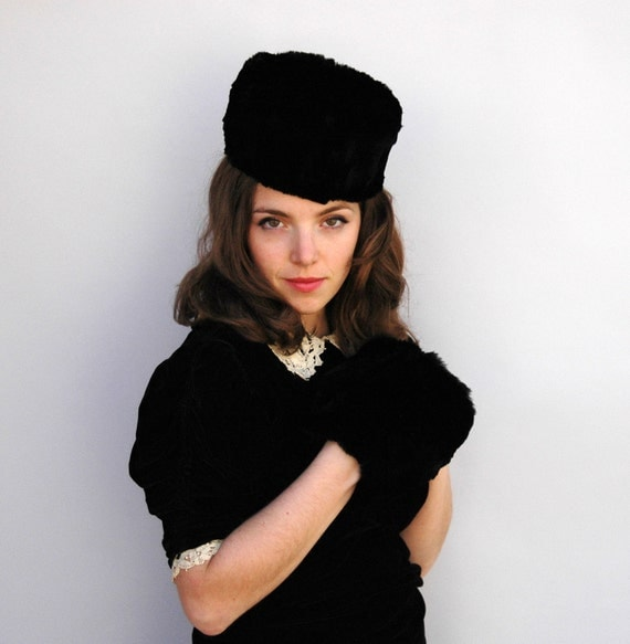 Vintage 1930s Hat and Muff - Princessa - Black Beaver Fur Hat and Muff