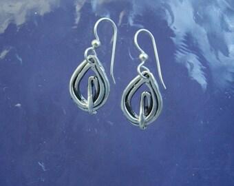 Small Teardrop Wire Earrings EE81