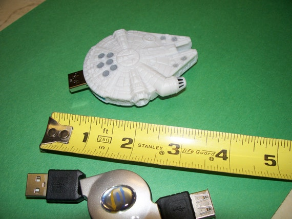 8GB Star Wars Millennium Falcon Flash Drive USB memory space ship - Free cap, cable, apps.