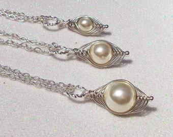 Set of 3 Mom Big Sis Little Sis Individual Peapod Pendants Cream Swarovski Pearls