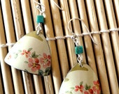 soft cream vintage blossoms tea tin earrings