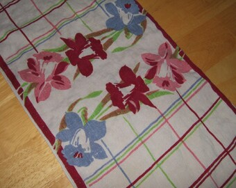 Vintage linens dresser scarf table linen blue burgundy and pink daffodils floral table linen