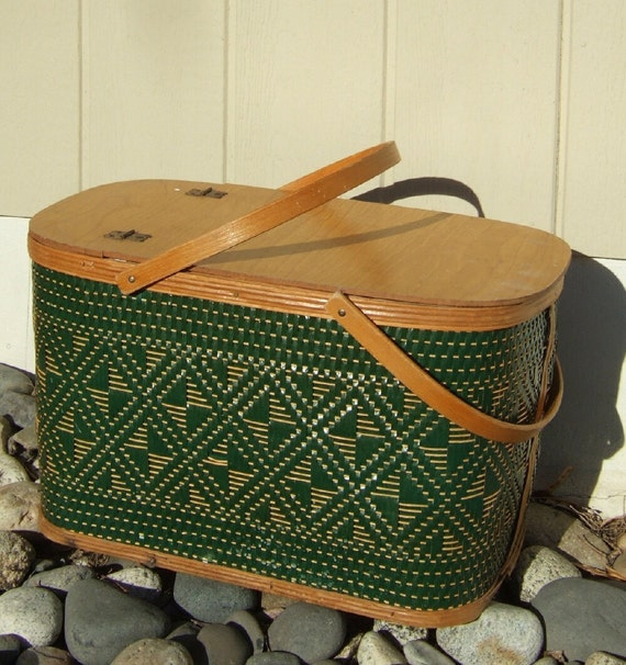 Vintage  Hawkeye  wicker Picnic Basket, Food Hamper, Burlington Basket Co.  with pie shelf.