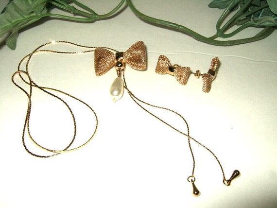 Vintage gold mesh bow earrings and necklace brooch, slide lariat necklace. Cont. US shipping included.