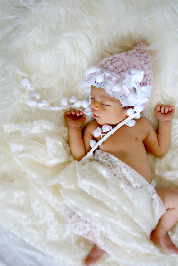 Newborn pale pink photo prop hat
