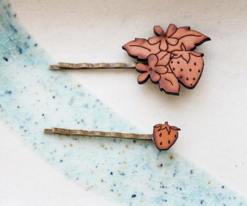 Hair Pin Set Strawberry Leather Hair Clip Barette Bobby by iluxo