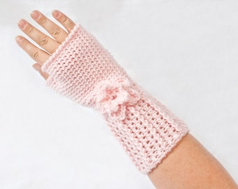 INSTANT DOWNLOAD Crochet Fingerless Gloves Pattern.  Pattern Only