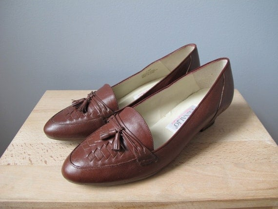 vintage Penaljo brown leather tassel loafers with stacked wooden heel and woven front detail sz 6.5 or 7
