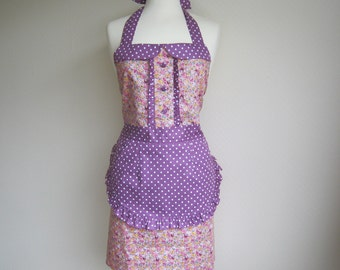 Retro apron with collar, vintage petite floral and butterflies pattern on pink fabric, fully lined.