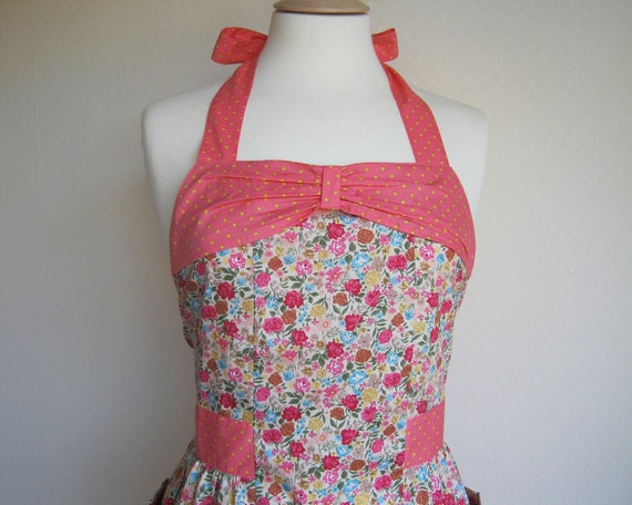 Retro apron with bow, Vibrant colour floral, polka dots coral fabric, 1950s vintage inspired, fully lined.