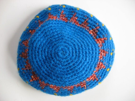 girl's bright blue beret