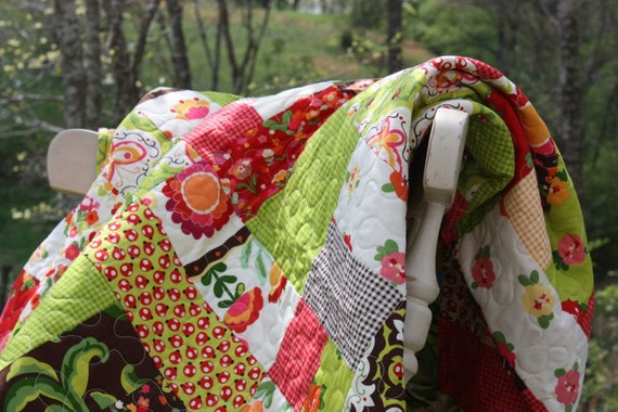 Sale - See Shop Announcement - Oops-A-Daisy Twin Size Quilt