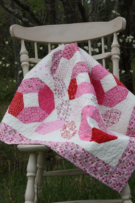 Valentine's DayHugs and Kisses Quilt - Lap Quilt - Always and Forever