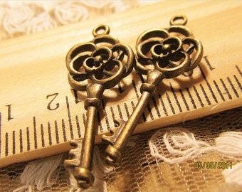SALE-10 pcs cute flower key charms,pendants-F27