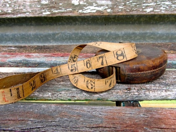 Here Is 50 Foot Of Pure Antique English Cloth Measuring Tape Cased In A Fine Leather Case
