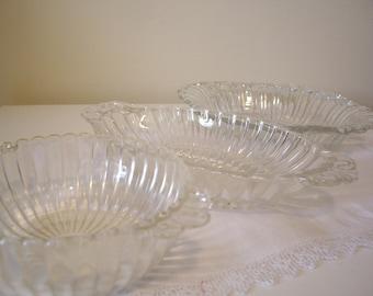 Vintage glass serving dishes,, trinket dishes,, serving dishes depression glass