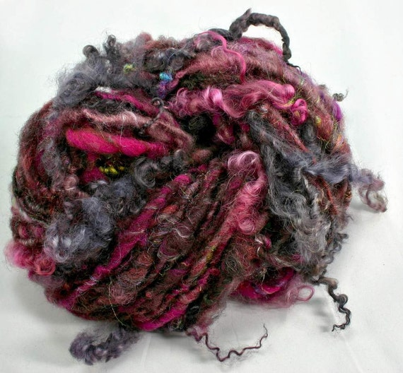 Handspun art yarn: Devil's Dance