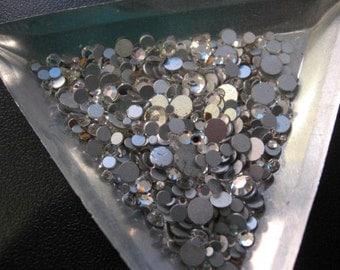 Vintage Swarovski Crystal Flatback Rhinestones Article 2000 3 sizes QTY - 15