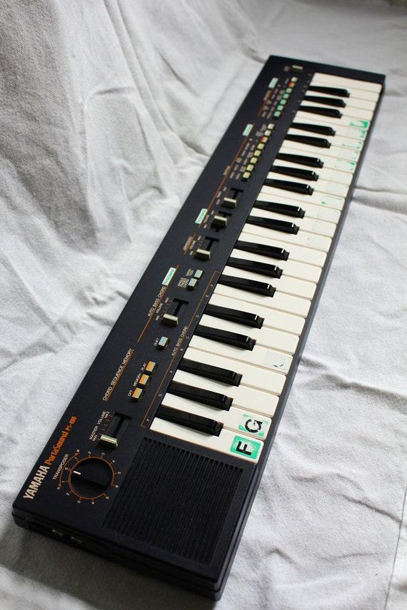 Rare Yamaha Portasound PS-400 Keyboard W/Case