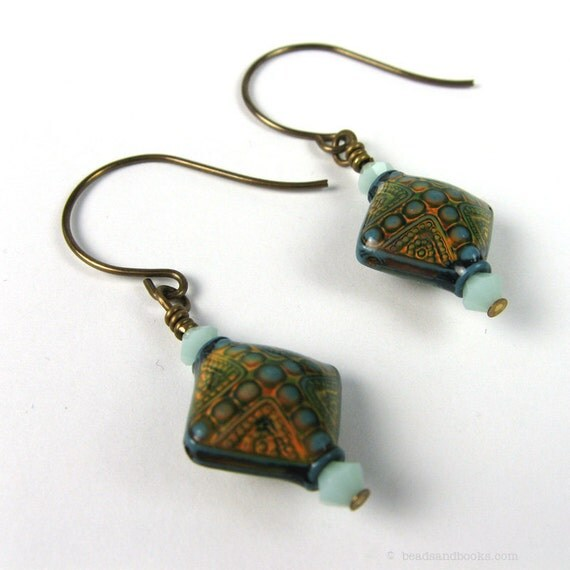 Novelty Earrings: Color Changing Retro Mood Beads