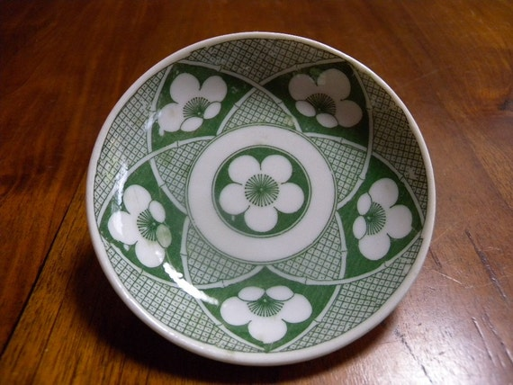 Japanese porcelain plate 738, green and white