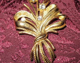 Vintage Gold Flower Bouquet Brooch