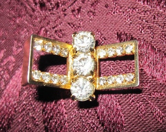 Vintage Gold and Rhinestone Brooch