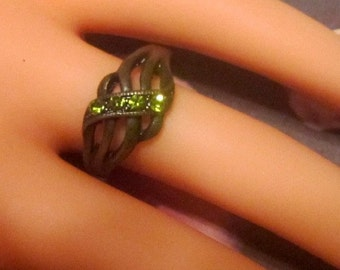 Vintage Bronze Ring With Green Crystals - Size 7 - R-174