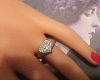 Vintage Silver Heart With Rhinestones Ring - Size 7.5 - R-033