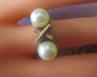 Vintage Gold Ring With Two Creamy Pearls - Size 5.5 - R-137 - Pearl Ring - Ring With Pearls - Ring Pearl