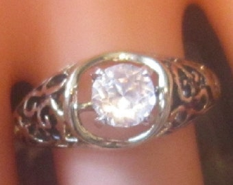 Vintage Gold Solitaire Ring - Size 6.75 - R-078
