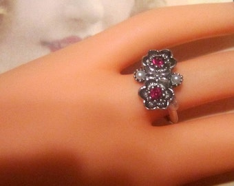 Vintage Silver Flowers and Rhinestone Ring - Size 6.5 - R-100