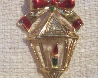 Vintage Christmas Lantern Brooch