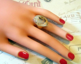 Vintage Gold Ring With Large Stone - Size 5.75 - R-107