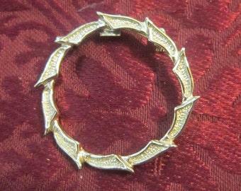 Vintage Silver Wreath Brooch