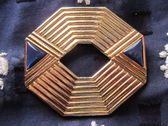 Vintage Gold Octagonal Ribbed Brooch