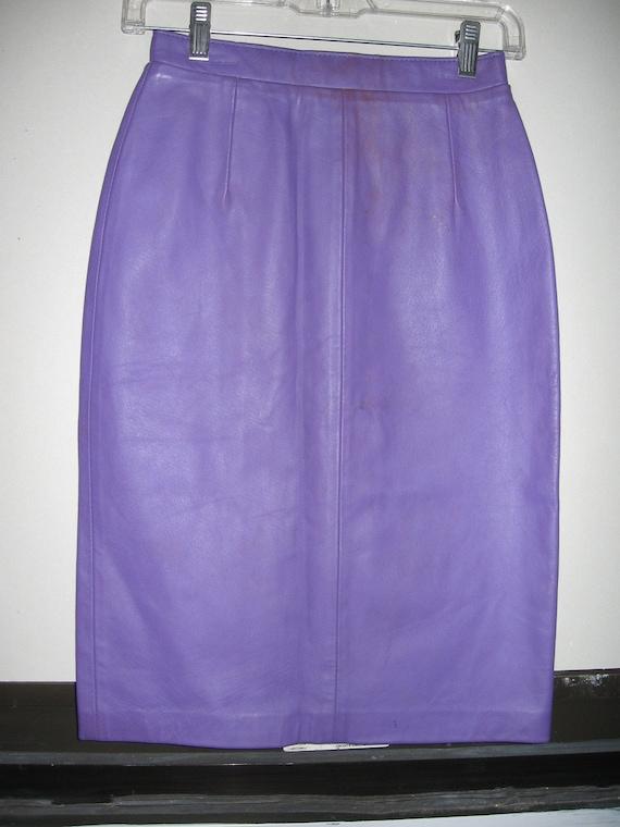 slim lavender leather pencil skirt