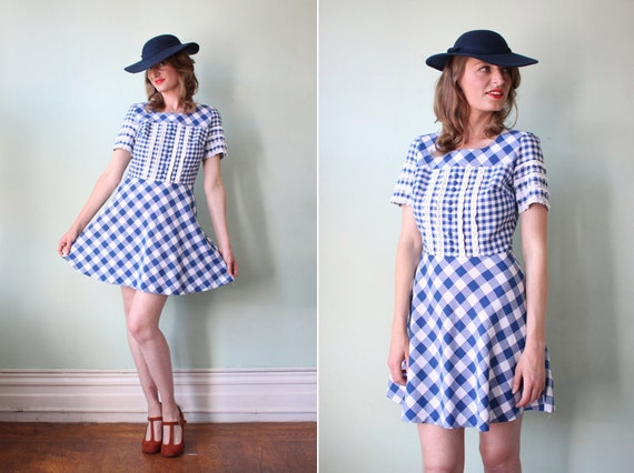 vintage 1970's blue & white gingham mini dress with lace trim / size s
