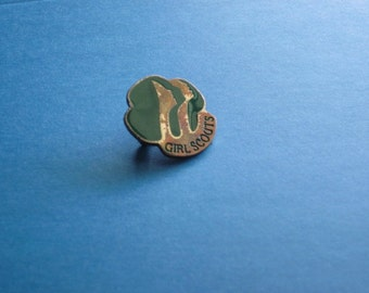 Vintage Girl Scouts Pin from 1980