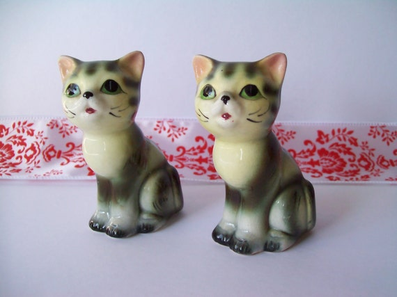 Vintage Ceramic Pair of Green Eyed Cats from 1958